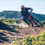 XDuor Downhill bei wilder Abfahrt