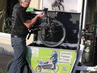 BBF Monaco Faltrad wird im Lastenrad transportiert